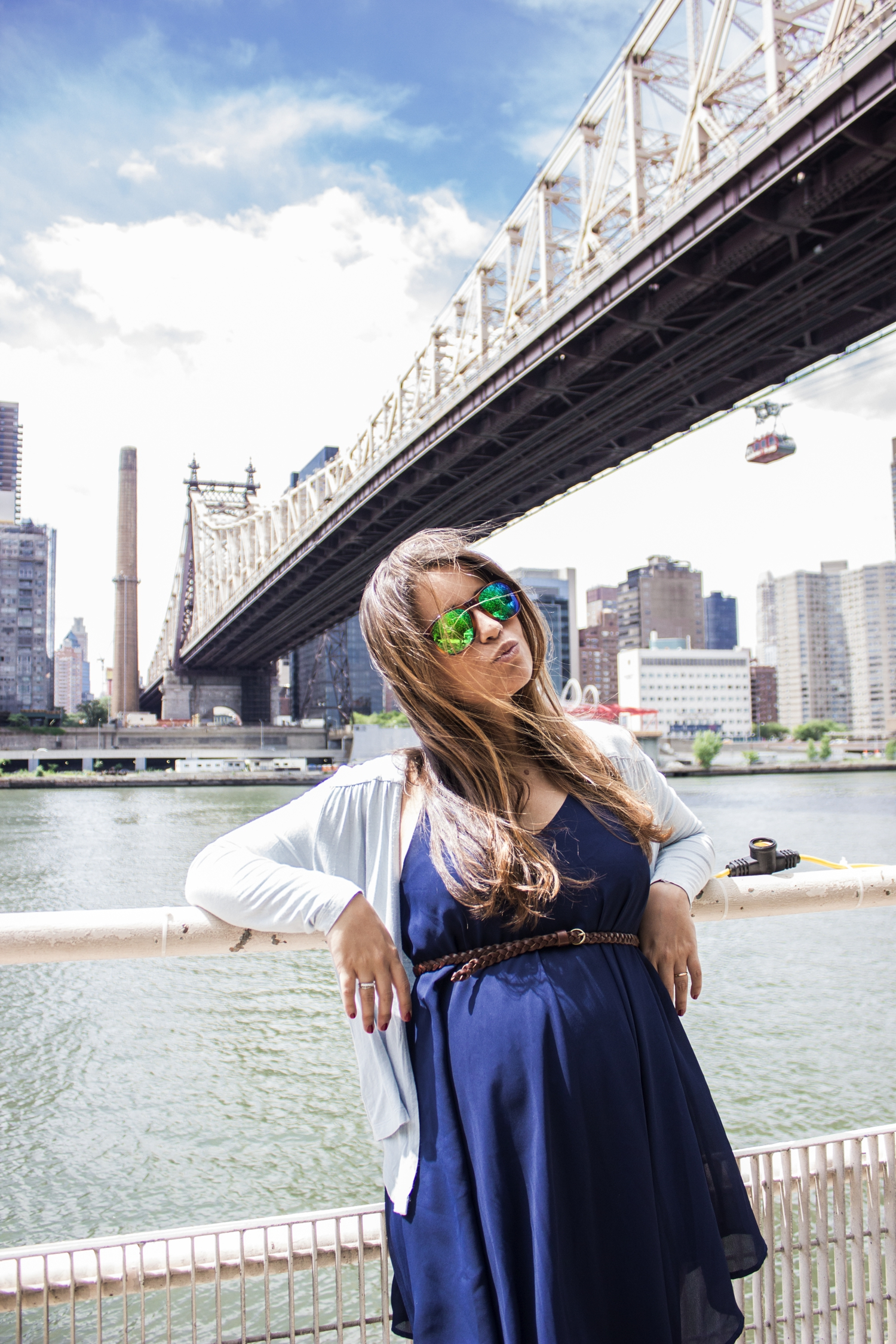 loreto_made_in_style_new_york_travel_blue_dress_empire_state_white_vans_leather-39