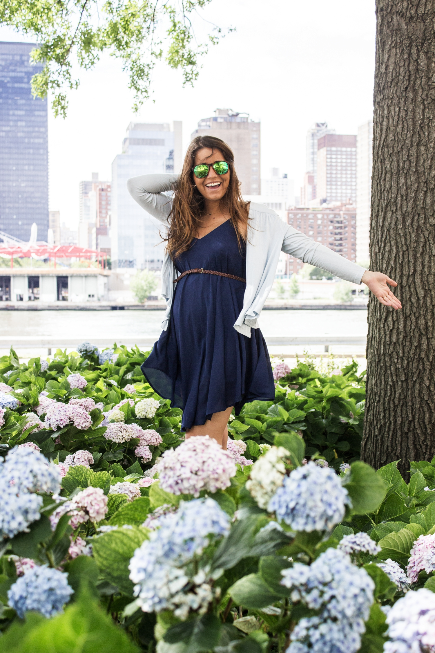 loreto_made_in_style_new_york_travel_blue_dress_empire_state_white_vans_leather-41