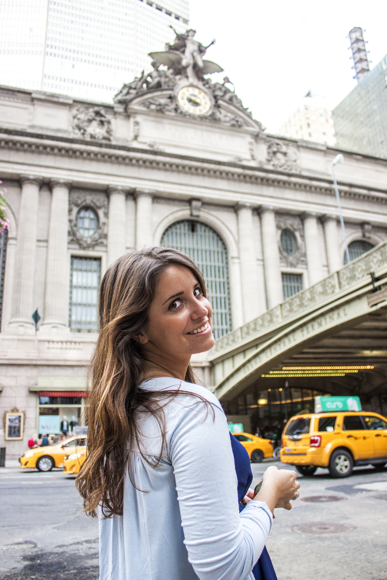 loreto_made_in_style_new_york_travel_blue_dress_empire_state_white_vans_leather-50