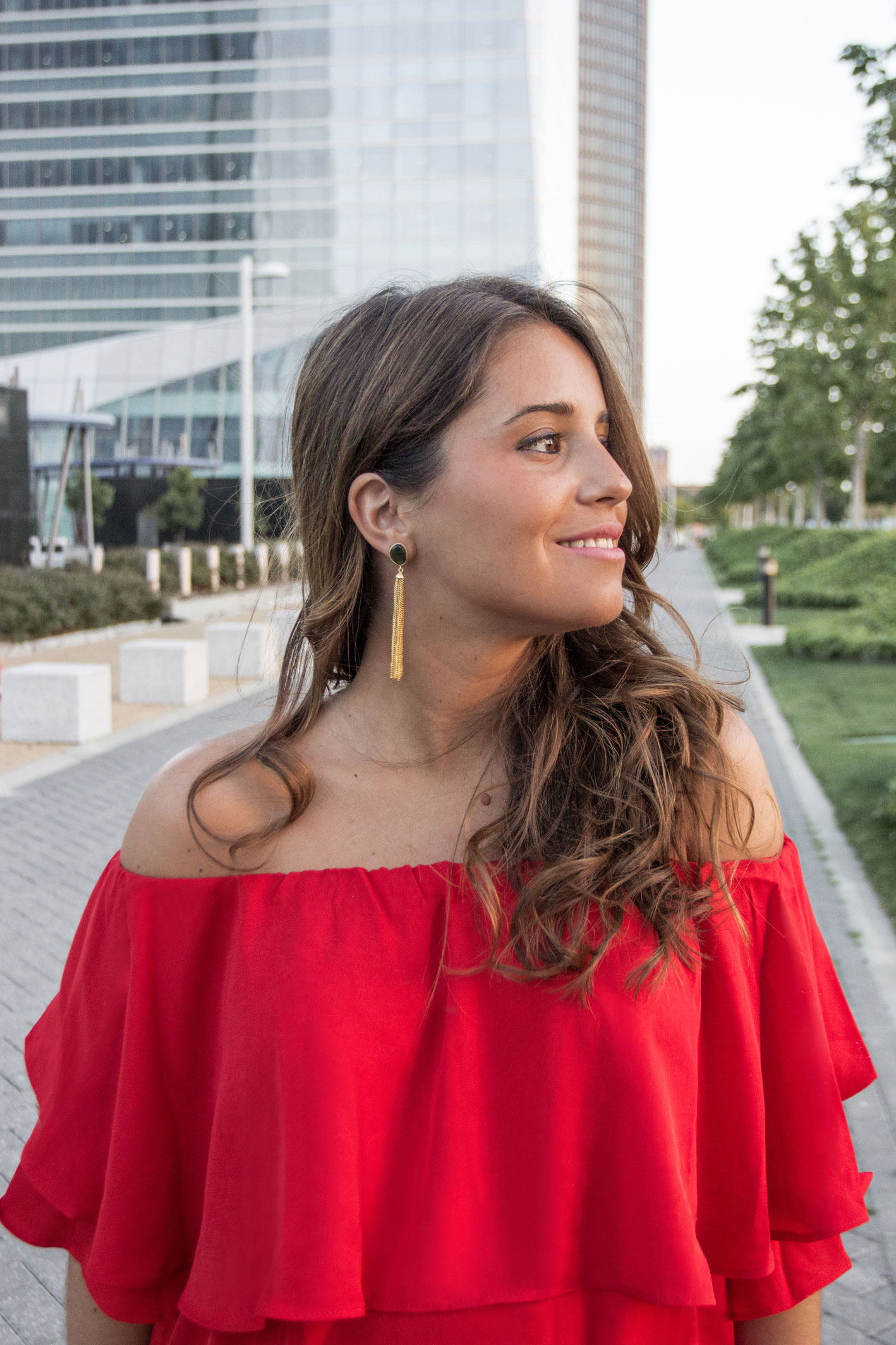 madeinstyle_she_in_red_dress_vestido_rojo_summer_closs_earrings-11