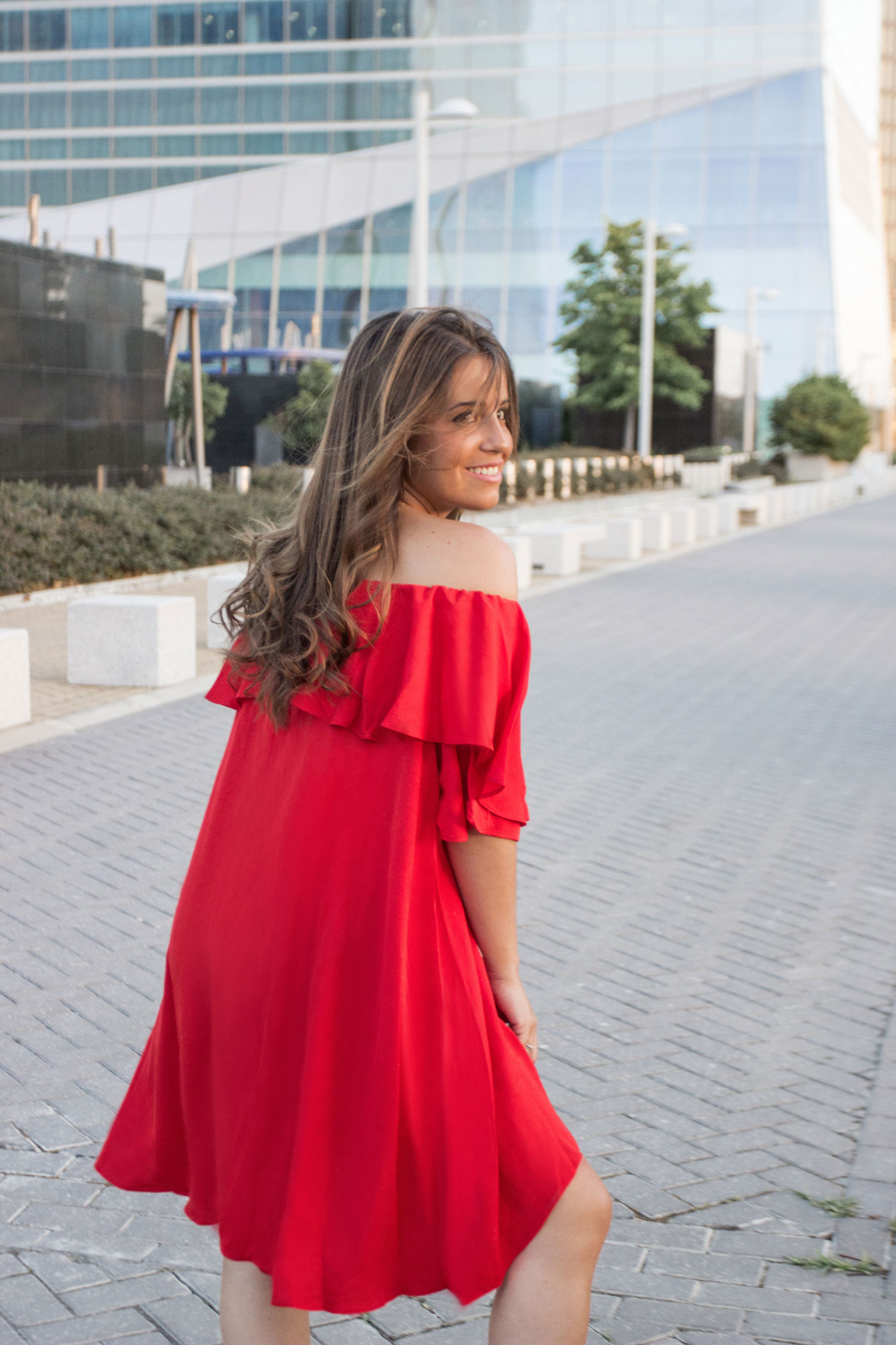 madeinstyle_she_in_red_dress_vestido_rojo_summer_closs_earrings-4
