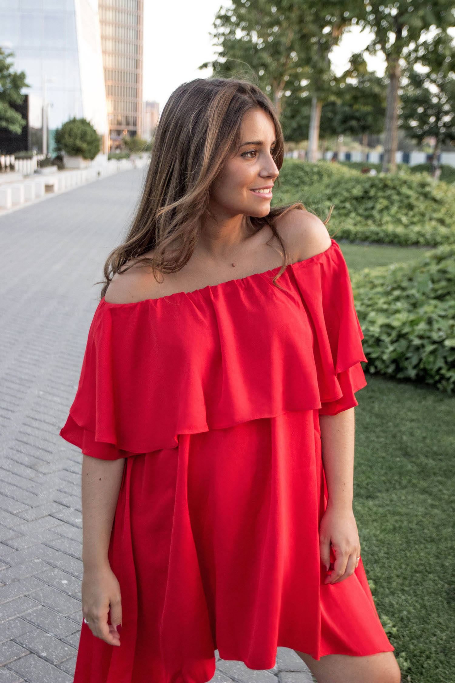 madeinstyle_she_in_red_dress_vestido_rojo_summer_closs_earrings-5