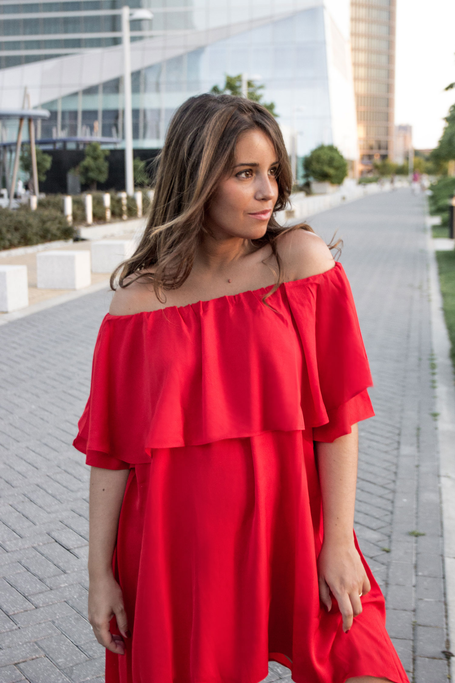 madeinstyle_she_in_red_dress_vestido_rojo_summer_closs_earrings-6
