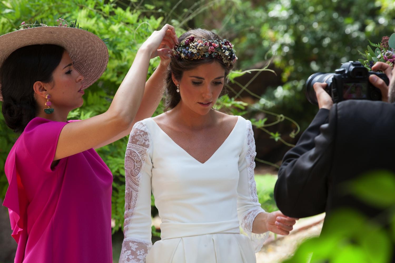bodas-made-in-style-vestido-de-novia-mangas-encaje-navascues-la-boda-de-bea-y-juan