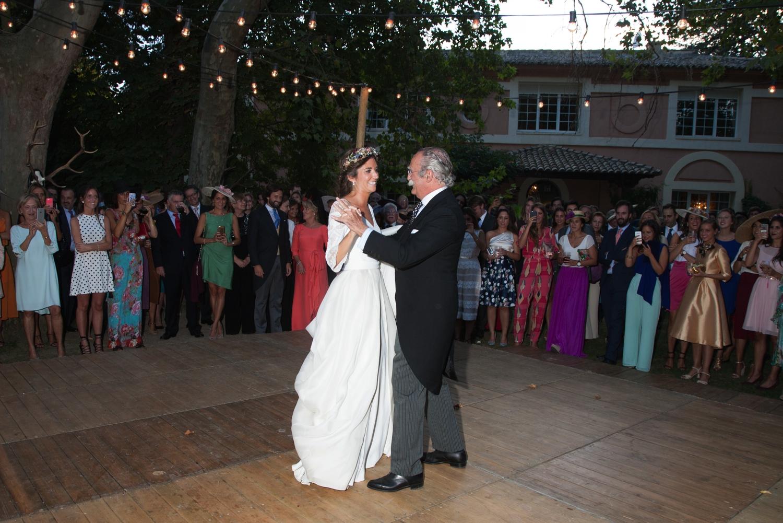bodas-made-in-style-vestido-de-novia-navascues-baile