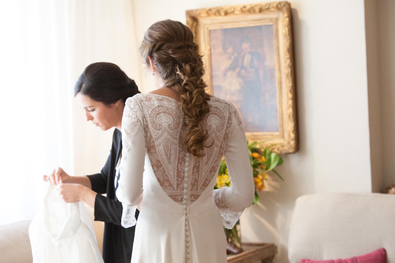 bodas-made-in-style-vestido-de-novia-navascues-encaje-espalda-la-boda-de-bea