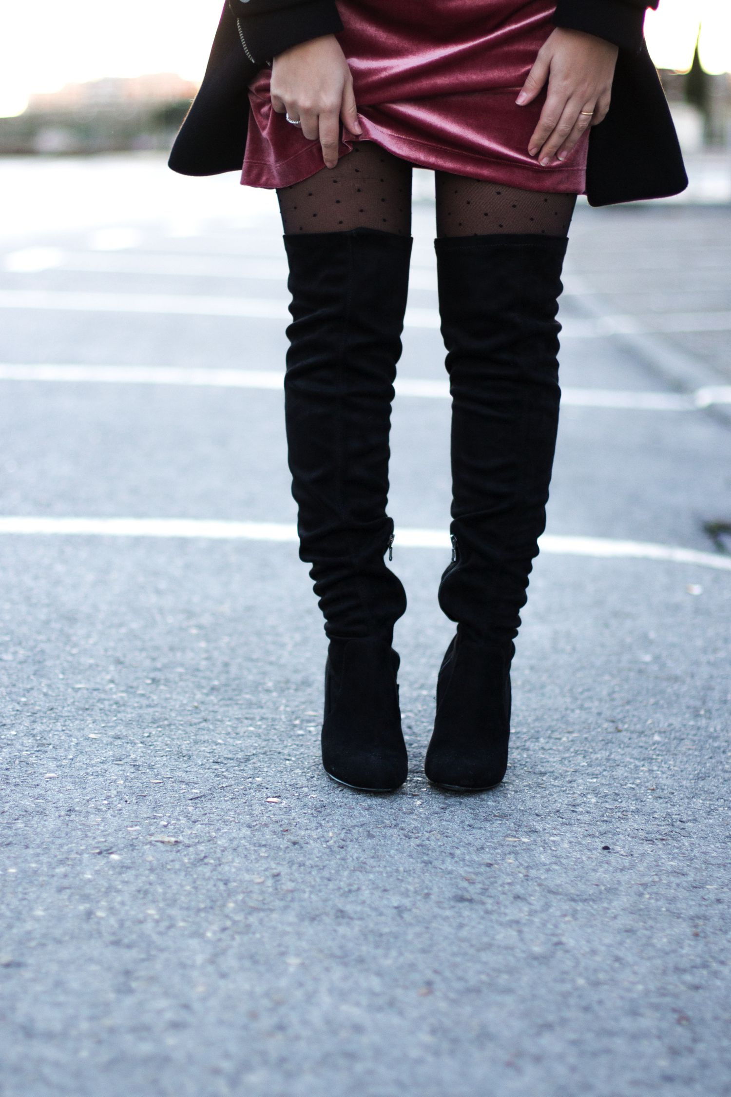 loreto_made_in_style_ovs_heel_boots_velvet_burgundy_lace_dress_-17