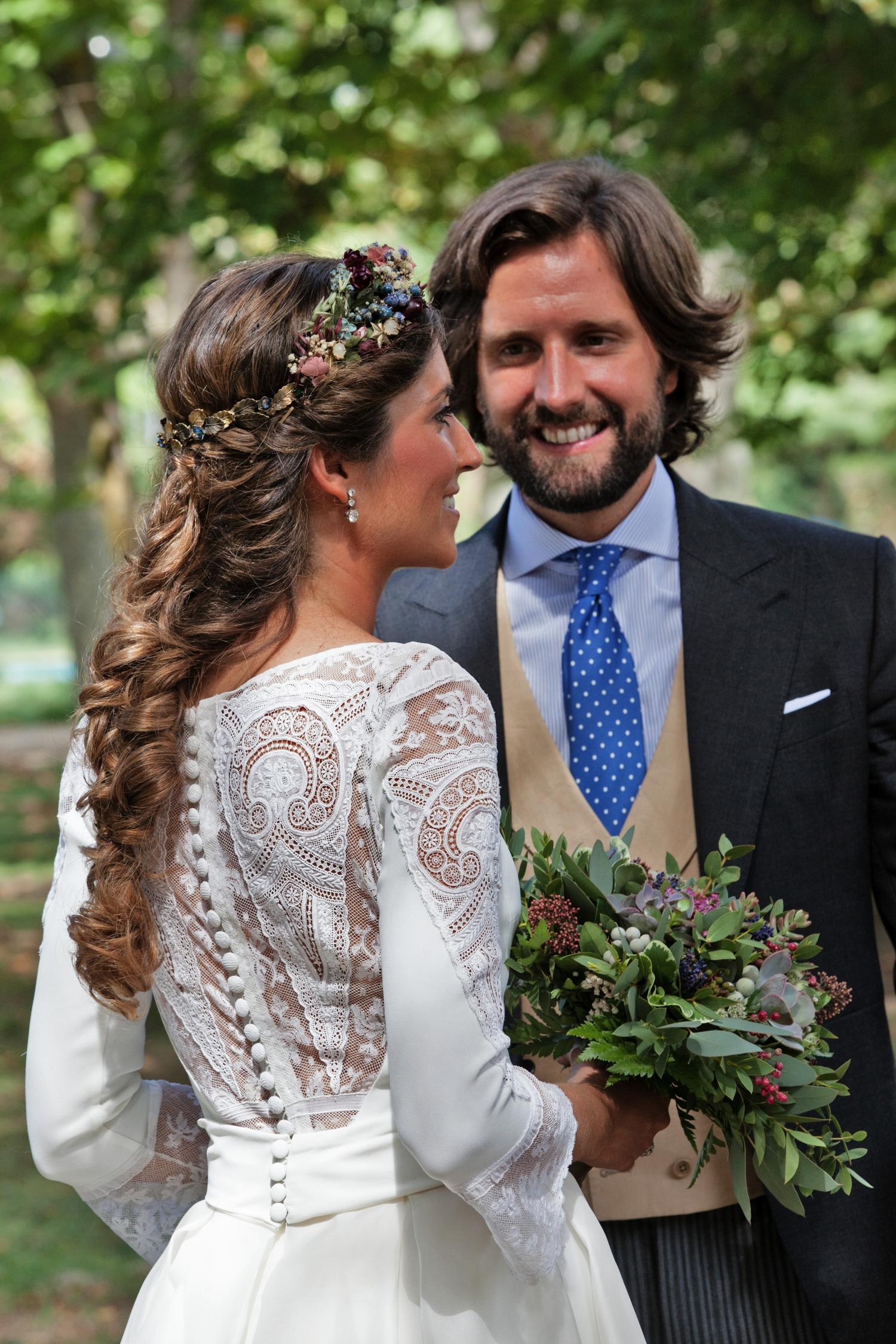 novios-bodas-made-in-style-vestido-de-novia-navascues-chaque-novio-suitz