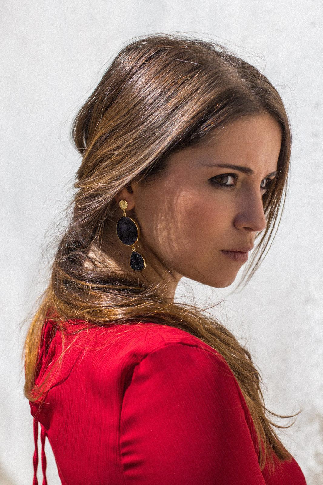 loreto_made_in_style_acus_complementos_pendientes_piedra_negro_oro-3