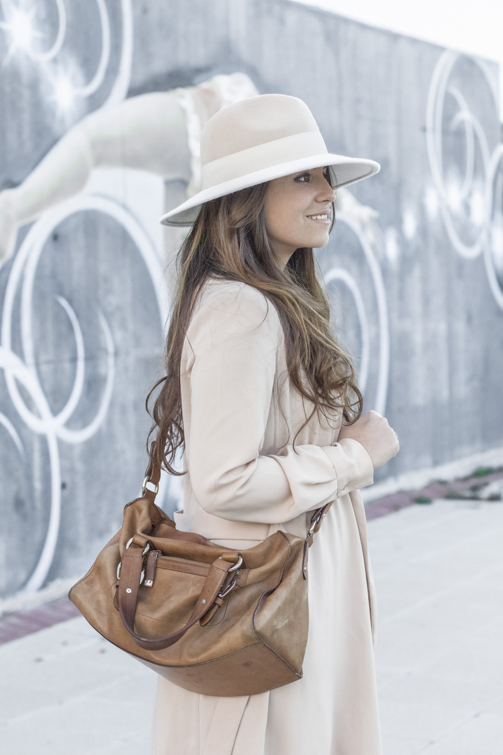 loreto_made_in_style_top_lencero_denim_trench_sombrero_blanco-25