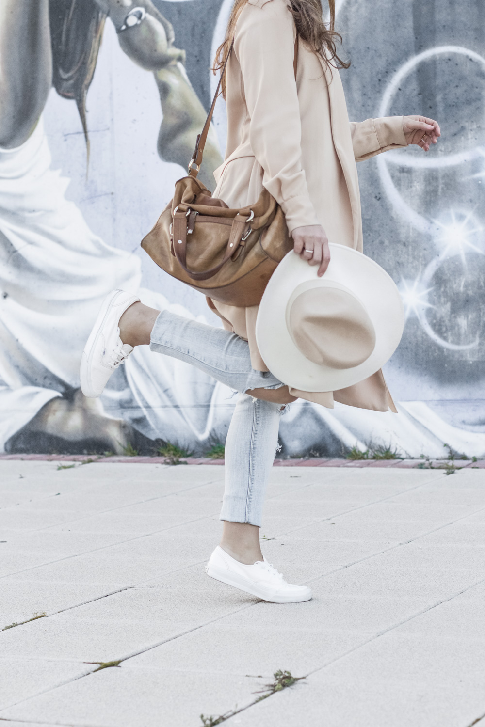loreto_made_in_style_top_lencero_denim_trench_sombrero_blanco-9