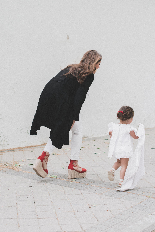 loreto-made-in-style-little-loreto-levantelier-moda-infantil-vestido-guipur-lazo-coleta-alpargatas-nina-16.jpg