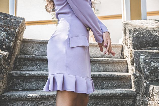 Vestido esmoquin para look de invitada